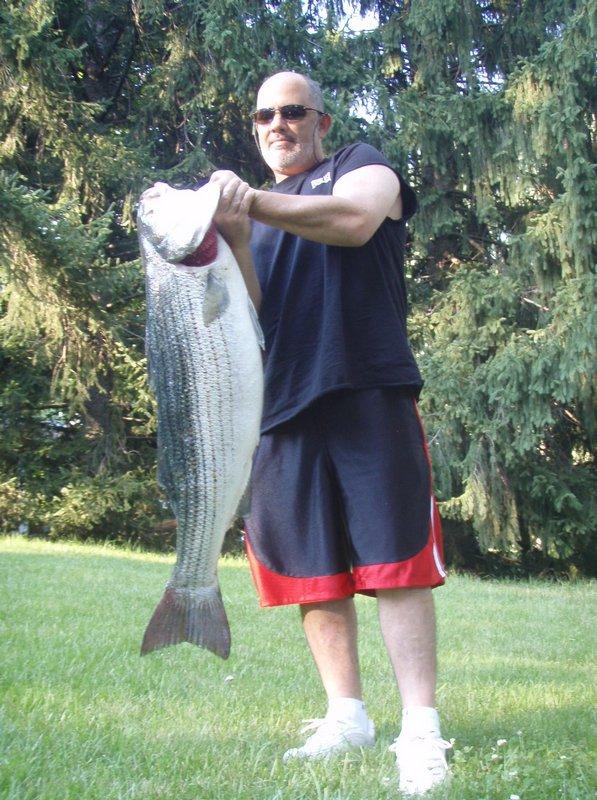 Click image for larger version  Name:32# Blitz Fish 7-5-07 2_800.jpg Views:340 Size:147.4 KB ID:3128