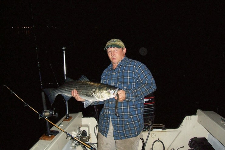 Click image for larger version  Name:eelfishing.jpg Views:173 Size:73.2 KB ID:7325