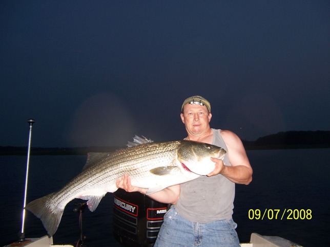 Click image for larger version  Name:July bass 08 3.jpg Views:238 Size:58.4 KB ID:7286