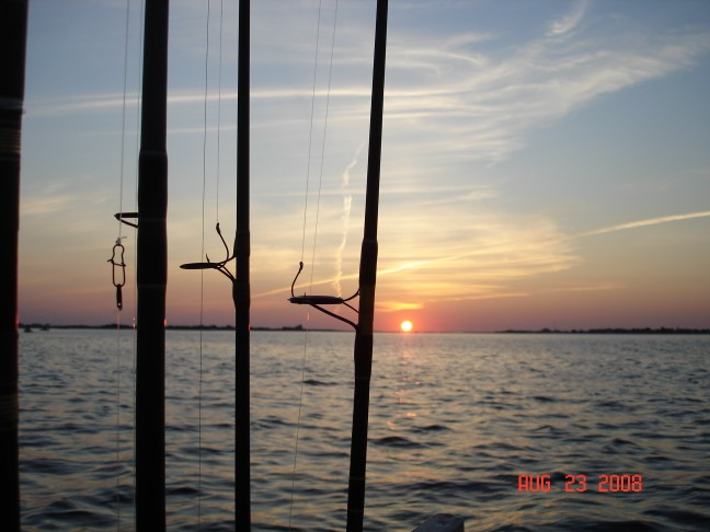Click image for larger version  Name:Sunrise 23Aug08.jpg Views:120 Size:58.0 KB ID:7637